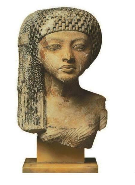 princesse de la famille d'Akhenaton.jpg